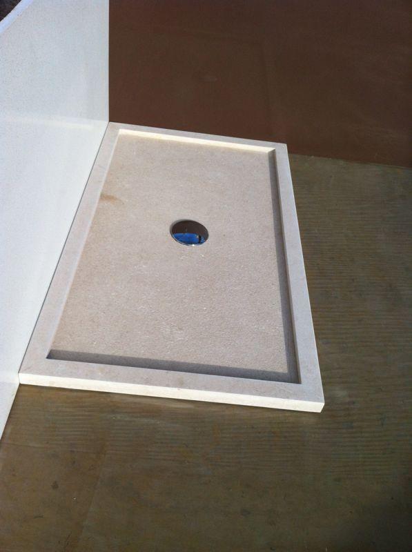 Platos de ducha en piedra Natural ,en distintos tipos de piedra a elegir y medidas de textura antideslizante ,belleza y elegancia para el hogar .