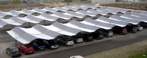 Cubiertas metálicas para parkings con paneles solares incorporados