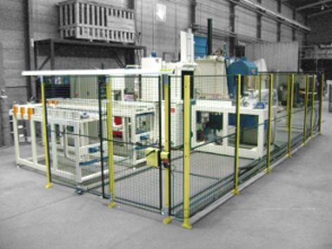 Batch type line for heat treatment under controlled atmosphere