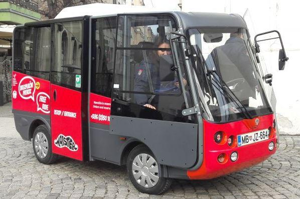 Electric shuttle for 7 persons.