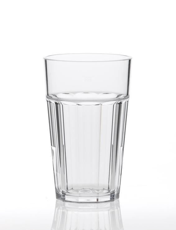 Vaso en policarbonato alimentar irrompible reciclable y reutilizable.  Transparente como si fuera en vidrio.  Perfecto para zumos, cerveza y agua.