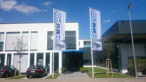 Firmengebäude Haupteingang