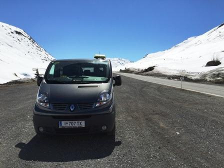 Austrian -Taxi Hanna fährt Euch sicher in allen Wetterlagen durch Tiroler Bergen