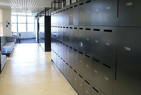 Metra hot desk lockers solution