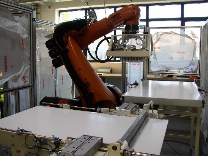 Roboterzelle für Schokoladenstücke