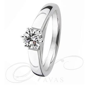 El solitario modelo GLAMOUR, es un anillo de diamantes elaborado en oro de Primera Ley, tanto en oro blanco y amarillo, factible de fabricar en platino para los diamantes de mayor quilataje.