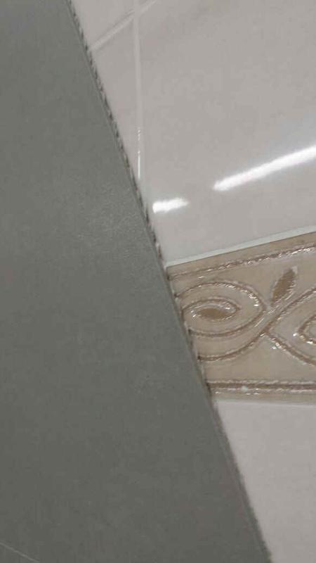 Un prodotto ceramico innovativo made in italy portato dall' innovazione della lavorazione del  gres porcellanato ma con un spessore di soli 3 mm.questo spessore estremamente ridotto cambia lavorazione