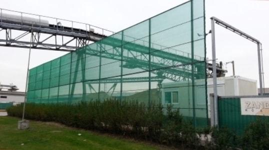 Fijnmazige windschermnetten in gebreid ub-gestabiliseerd polyethyleen monofilament.