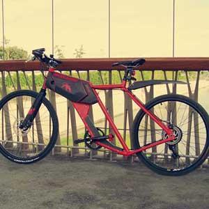 Atria es una una bicicleta con un diseño muy atrevido. Su motor eléctrico de 250w la hace ideal para recorrer la ciudad y llegar a tiempo a cualquier parte. Ideal para el ciclista urbano.