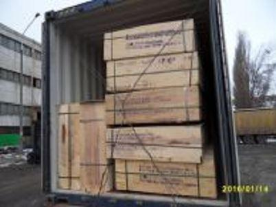 We can arrange transport of discharged goods, as well as full containers to any indicated location in the country or abroad.