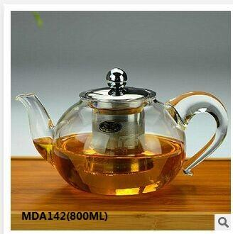 800ml glass teapot with S/S lid and filter, The instantaneous temperature exposure is from -20℃ to 150℃, so it is microwave oven safe, it can be put gas/fire directly.