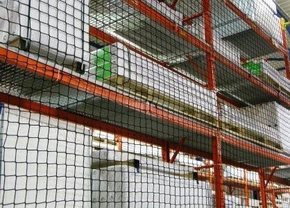 Magazijnnetten en netten voor transportbanden.