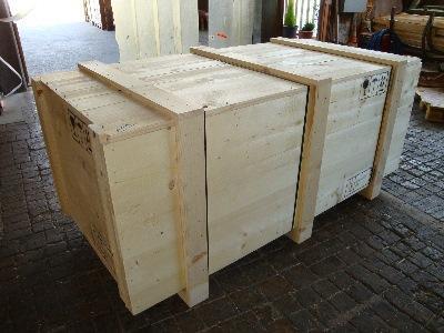 Kisten aus Holz, MC-Box Wabenplatten. Alle unsere Holzverpackungen sind nach der ISPM15/ IPPC-Norm gefertigt.