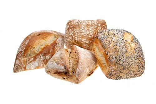 Pour changer du quotidien, une large gamme de pains spéciaux. Souvent riches en fibres, ces pains complets, au seigle, aux raisins, aux olives… sont reconnus pour leurs bienfaits nutritionnels.