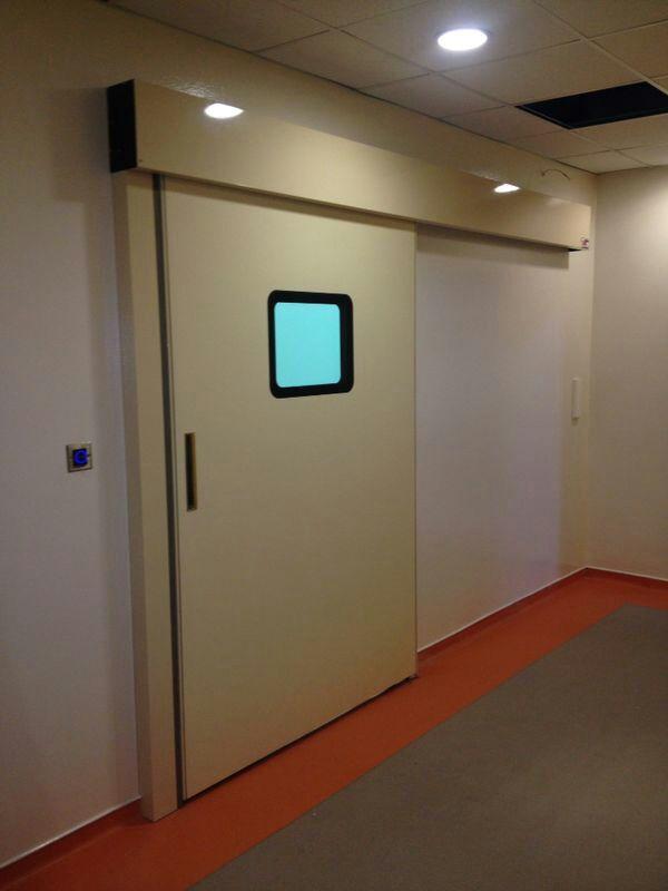 Ameliyathane ve laboratuvar ortamları için tam sızdırmazlık istenen sertifikalı Hermetik kapımız..