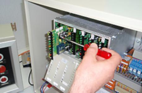Reparatur von Mess- und Regelgeräten sowie Motorverkabelungen