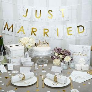 Add a modern flair to your big day with the elegant Scripted Marble collection. Featuring beautiful marble detailing and glossy gold lettering, this range is perfect for your on-trend wedding theme.