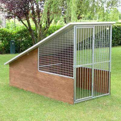 The Dog Kennel model Labrador consists of:  - Structure in galvanised steel, buffered with marine plywood panels treated with impregnating thick 1.5 cm  - Doghouse, wood inside ...