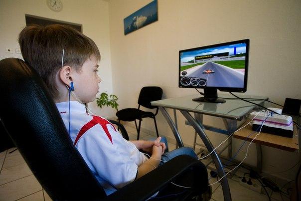 Метод биологической обратной связи в увлекательной игровой форме позволяет пациентам с неврологическими нарушениями научиться самоконтролю, концентрации внимания. http://adeli-center.com
