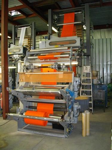 Extrudeuse permettant la fabrication de gaines et films de 70 mms à 1000 mms - procédés de microperforation et de macroperforation.