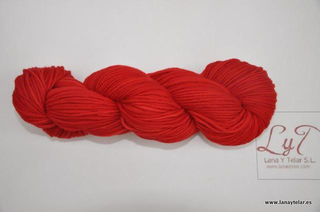 Lanas 100% con Tintes 100% Naturales en diferentes modelos y calidades. Este tipo de lanas se presenta en cinco modelos diferentes: Bios, Full, Premier, Meriseda y Record. Gran variedad de colores