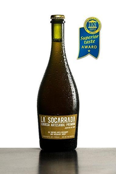 La Socarrada es una cerveza artesanal premium enfocada al mundo gastronómico. Elaborada con romero y miel de romero que le aportan un aroma y sabor que la hacen marcadamente diferente.