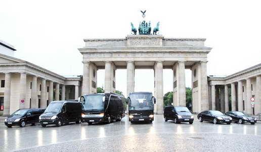 Guided private Berlin tour depending on the size of your group in a comfortable motor coach, small panoramic bus, in a minivan or limousine.