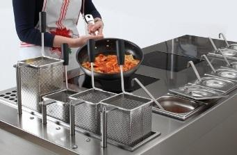 Pasta cooking workstation for fast preparation of pasta-based dishes