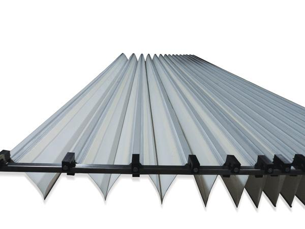 Machine roof covers are movable, smooth rolling covers for noise attenuation and containment of dust and particles.The support structure is made of aluminum. Large self-supporting span up to 9000 mm.