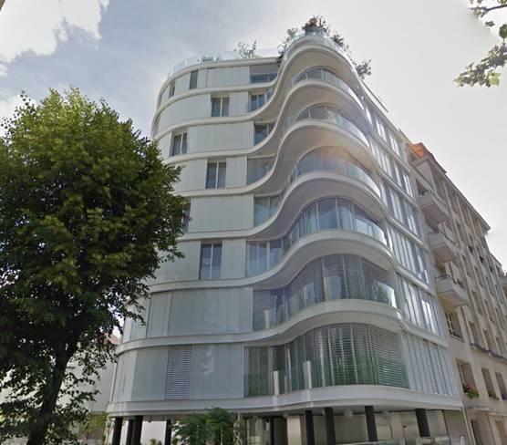Curvado de perfil de baranda para edificio en París (Francia)
