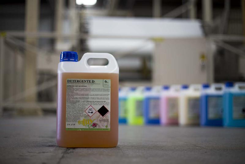 Productos quimicos de limpieza industrial para la limpieza de suelos y superficies