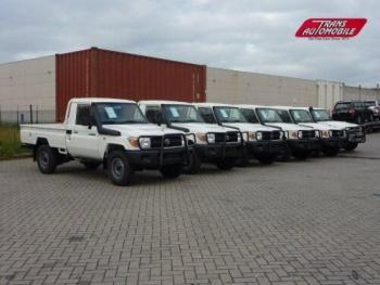 Toyota Land Cruiser Pickup HZJ 79 for export
