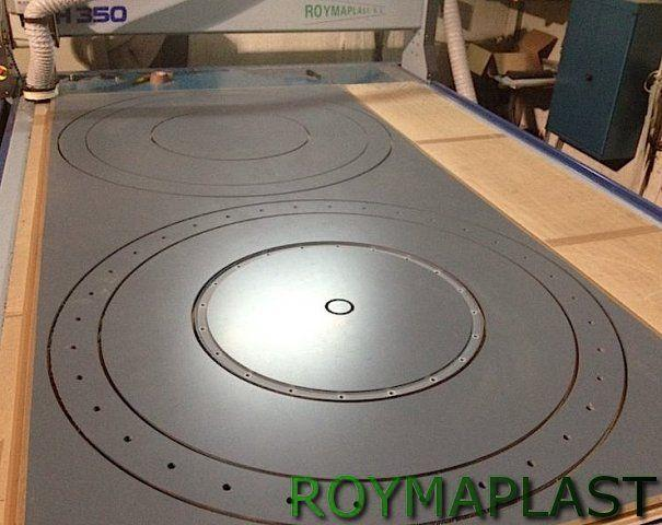 Grabado CNC de plancha de polipropileno