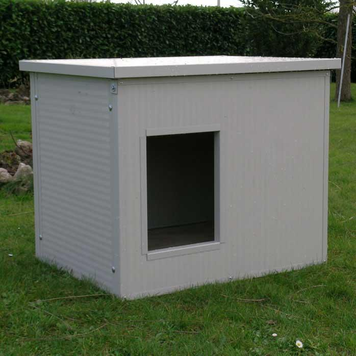 Dog Houses (with horizontal roof) made entirely of 3.5 cm thick insulated panels. They are equipped...