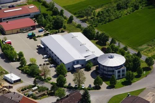 Firmengelände mit Bürogebäude EAS
