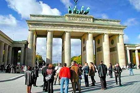 Guided city sightseeing tours in Berlin, Germany. Discover the new Berlin.