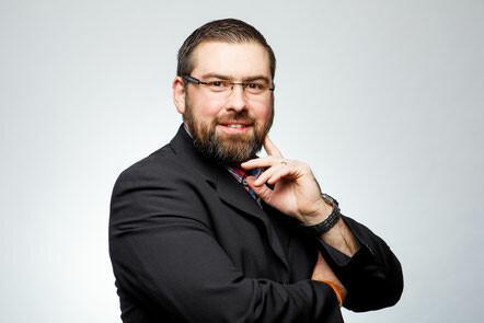 Tobias Schäfer, Geschäftsführer