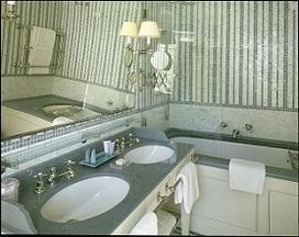 Realizzazione doccia, accessori bagno e specchi su misura