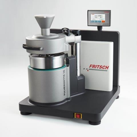 Die FRITSCH Rotor-Schnellmühle P-14 premium line bietet Prall-, Scher- und Schneidzerkleinerung in einem Gerät – mit höherer Leistung, besserer Kühlung und ist deutlich leiser als vergleichbare Geräte