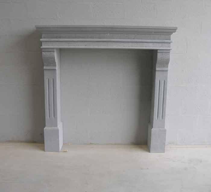 Décoration de cheminée en pierre bleue
