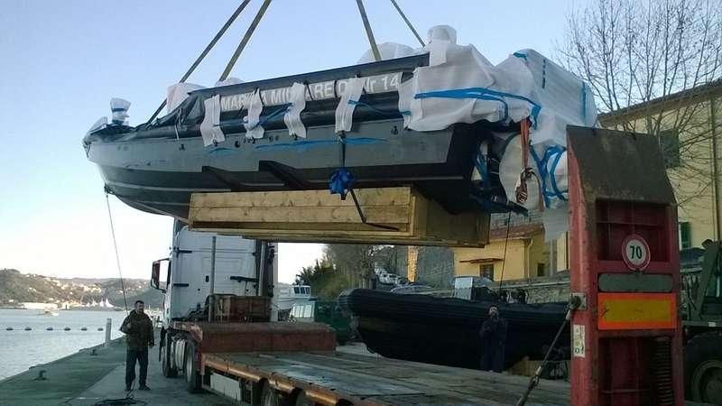 Trasporto imbarcazione dal Belgio all'Italia con semirimorchio ribassato.