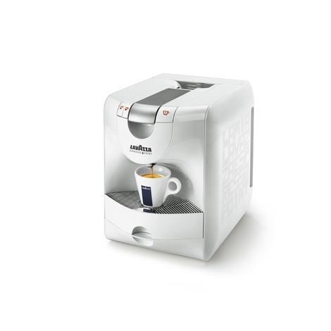 Machine à café pour capsules lavazza.  Distributeur en dépôt gratuit en entreprise.