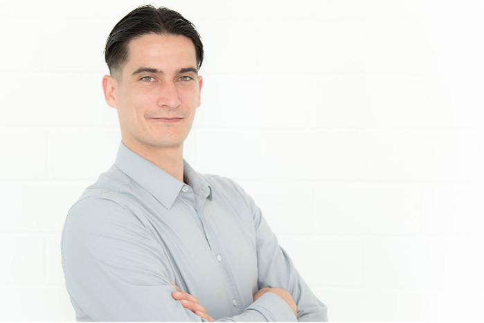 Mauro Mingozzi, Vertrieb