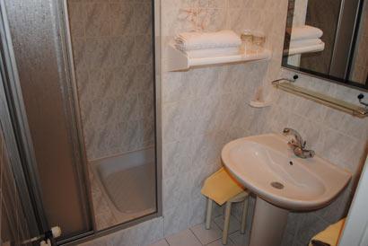 Salle de bain de l'hotel du Prieure