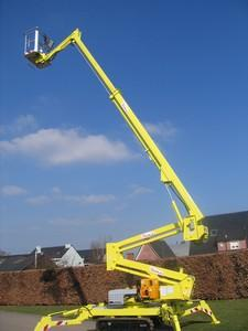 Tracklaying boom lift 20m