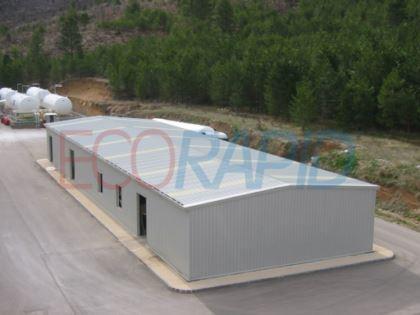 Hangar metálico prefabricado con marcado CE, estructura atornillada 100% desmontable y en acero galvanizado, con los cerramientos que usted desee y sin necesidad de mantenimientos.