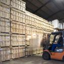 Opslag, warehousing plastics en rubbers in kisten