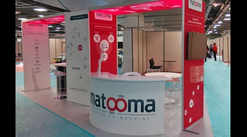 Stand H-line - Matooma, tissu avec visuel imprimé par sublimation, arche lumineuse et comptoir d'accueil