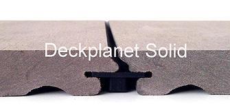 Nuestra tarima exterior sintetica esta fabricada 100% en España y ofrece unas caracteristicas de calidad y estetica adecuadas a las tendencias de decoracion y sostenibilidad actuales.