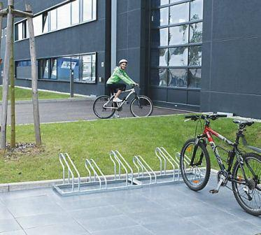 Bicycle rack, bars made of 18 mm steel tubing